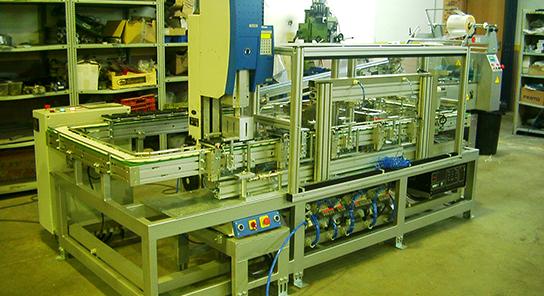 Maquina ensambladora placas petri 13
