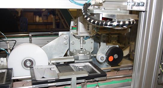 Maquina ensambladora placas petri 3