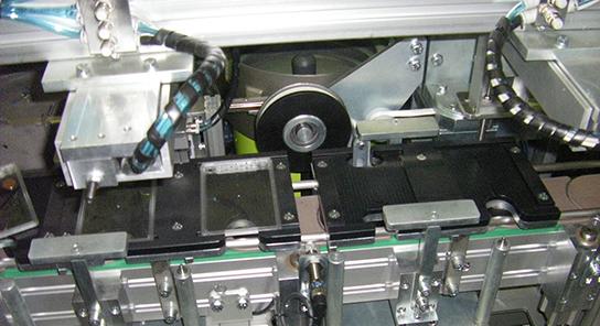 Maquina ensambladora placas petri 9